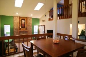 5420-Camino-Montano-NE-Livingroom