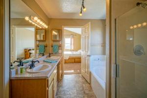 5300-Alberta-NE-Rio-Rancho-NM-87144-Master-Bath-Albuquerque-Real-Estate